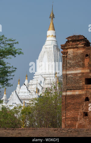 Myanmar aka Burma, historic Bagan. Le-myet-hna temple, circa 1223 A.D. 'Temple of the Four Faces'. - Stock Photo