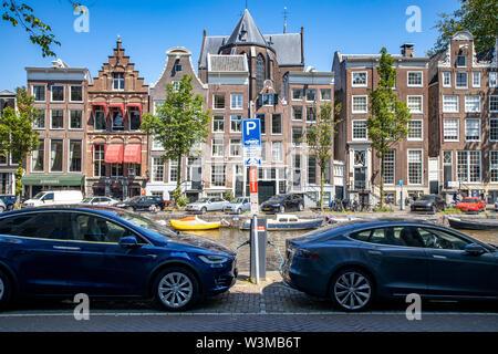 Amsterdam, Niederland, Innenstadt, Altstadt, Herengracht, Parkplatz für Elektrofahrzeuge, Ladestation, - Stock Photo