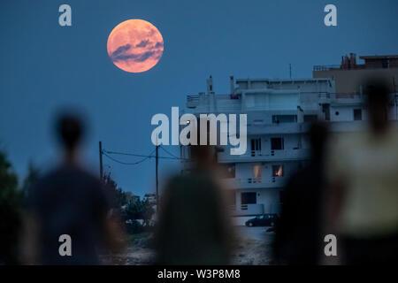 July 16 full moon 2019 Stock Photo: 264834044 - Alamy