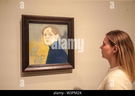 London UK 17 July 2019 Self portarit 1912, oil in canvas.  The new Royal Academy exhibition Helene Schjerfbeck, 20 July to 27 October, the Finnish artist, not very well know in the UK, this is the first exhibit of her work, mostly portraits, that will put this artist in the artistic pedestal she deserves. Paul Quezada-Neiman/Alamy Live News - Stock Photo