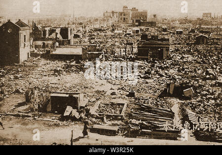 Scene in Tokyo after  the 1923 earthquake (Great Kantō Earthquake) -approx  100,000 deaths, 100,000 injured  and many burned or missing - Stock Photo