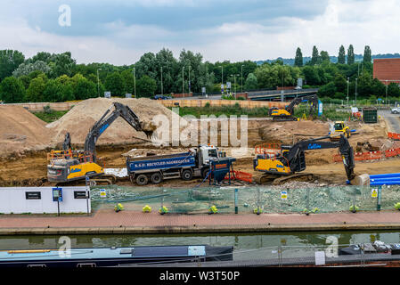 A view of the building expansion of the Castle Quay shopping centre in Banbury, Oxfordshire, England, UK - Stock Photo