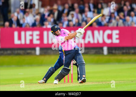 LONDON, UNITED KINGDOM. 18th Jul, 2019. John Simpson of Middlesex during T20 Vitality Blast Fixture between Middesex vs Essex Eagles at The Lord Cricket Ground on Thursday, July 18, 2019 in LONDON ENGLAND. Credit: Taka G Wu/Alamy Live News - Stock Photo