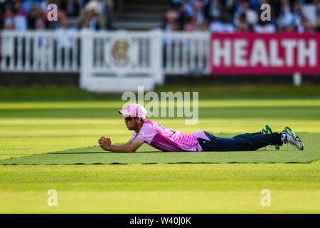 LONDON, UNITED KINGDOM. 18th Jul, 2019. Nathan Sowter of Middlesex during T20 Vitality Blast Fixture between Middesex vs Essex Eagles at The Lord Cricket Ground on Thursday, July 18, 2019 in LONDON ENGLAND. Credit: Taka G Wu/Alamy Live News - Stock Photo