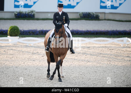 Aachen, Deutschland. 17th July, 2019. Isabell WERTH, GER, on Emilio 107, full figure, action, HAVENS Pferdefutter-Preis, Grand Prix CDI4, World Equestrian Festival, CHIO Aachen 2019 from 16.07 - 21.07.2019 in Aachen/Germany;   Usage worldwide Credit: dpa/Alamy Live News - Stock Photo