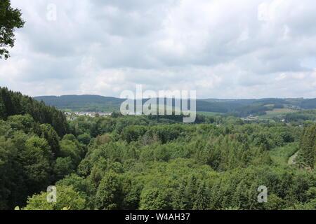 Blick von der Staumauer des Biggesees in das Sauerland - Stock Photo