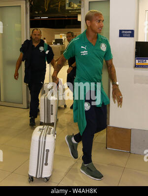 Buenos Aires, Argentina. 21st July, 2019. The Deyverson player of SE Palmeiras during landing at Buenos Aires International Airport. Credit: Cesar Greco/FotoArena/Alamy Live News - Stock Photo