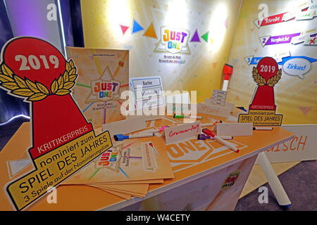 Berlin, Germany. 22nd July, 2019. The game 'Just One' is voted 'Game of the Year 2019'. The Wortrate game was published by Repos Peoduction. Credit: Wolfgang Kumm/dpa/Alamy Live News - Stock Photo