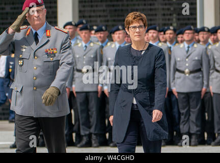 Berlin, Germany. 22nd July, 2019. Annegret Kramp-Karrenbauer, Federal Minister of Defense and Chairwoman of the CDU, will take her vows in the Bendlerblock in Berlin. Defense Minister Annegret Kramp-Karrenbauer has demanded significantly more money for the German Armed Forces, thus turning the coalition partner against her. Credit: Michael Kappeler/dpa/Alamy Live News - Stock Photo