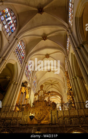 Primate Cathedral, old Catholic Church, 11-15 centuries, Gothic arches, stained glass windows, carved statues, organ, religious building, Europe, Tole - Stock Photo