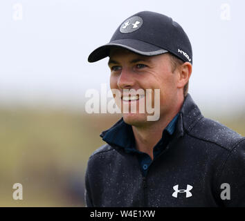 21st July, Portrush, Country Antrim, Northern Ireland; The 148th Open Golf Championship, Royal Portrush, final round; Jordan Spieth (USA) at the 10th green - Stock Photo