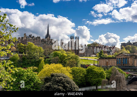 The Mound from Princes St, Edinburgh - Stock Photo