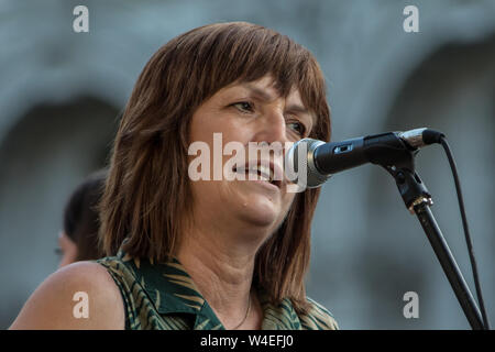 London, UK, 22 July, 2019. Karen Lee, MP for Lincoln and Parliamentary Private Secretary to Shadow Chancellor John McDonnell addresses hundreds of protesters gathered outside of Downing Street to demand a General Election Now! in a rally organised by The People's Assembly Against Austerity. Credit: David Rowe/Alamy Live News - Stock Photo