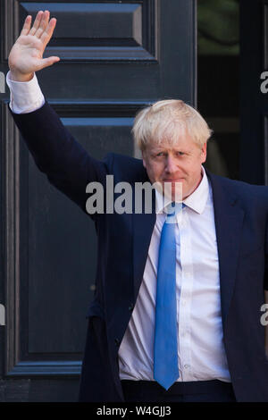London, UK. 23 July, 2019.  Boris Johnson arrives at the headquarters of the Conservative Party following the announcement that he had been elected as the party leader and would tomorrow replace Theresa May as Prime Minister. Credit: Mark Kerrison/Alamy Live News - Stock Photo