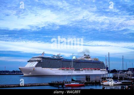 Cruise liner, Warnemuende, Rostock, Germany - Stock Photo