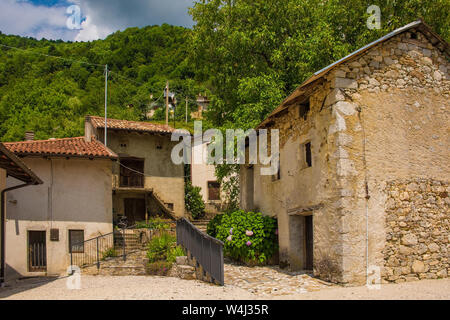 The small historic hill village of Drenchia Inferiore in Friuli-Venezia Giulia, north east Italy - Stock Photo