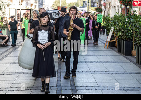 Wroclaw, Poland. 23rd July, 2019. 23 July 2019 Wroclaw Poland. Extinction Rebellion in Wroclaw. The funeral procession of the future and the past passed through the city in a protest against climate change. Credit: Krzysztof Kaniewski/ZUMA Wire/Alamy Live News - Stock Photo
