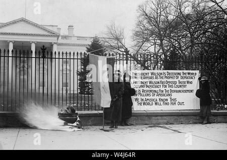 Woman suffrage in Washington, Suffragette Banner, 1917 - 1918 - Stock Photo