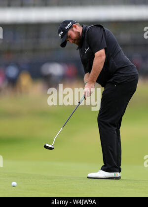 21st July, Portrush, Country Antrim, Northern Ireland; The 148th Open Golf Championship, Royal Portrush, final round; Shane Lowry (IRE) putts for par on the first green - Stock Photo