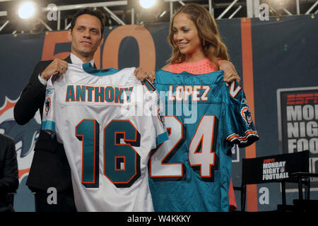SMG_NY1_Jennifer Lopez_Marc Anthony_072109_04.JPG  NEW YORK - JULY 21: Actress Jennifer Lopez and singer Marc Anthony attend the press conference to announce Marc Anthony's partnership with the Miami Dolphins at the Time Warner Center on July 21, 2009 in New York City.    People;  Jennifer Lopez, Marc Anthony  MUST CALL IN INTERESTED Michael Storms Storms Media Group Inc. (305) 632-3400 - Cell (305) 513-5783 - Fax MikeStorm@aol.com - Stock Photo