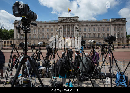Royal Press Photographers at Trooping the Colour, The Queen's Birthday Parade celebrations outside Buckingham Palace, Central London, England, UK - Stock Photo