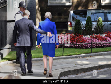London, UK. 24th July 2019. Theresa May makes her final speach as Prime Minister in Downing Street, before leaving for Buckingham Palace to hand in her resignation to the Queen. Credit: PjrFoto/Alamy Live News - Stock Photo