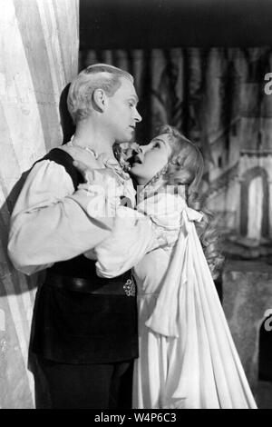 HAMLET 1948 Rank  Film with Laurence Olivier and Jean Simmons as Ophelia - Stock Photo