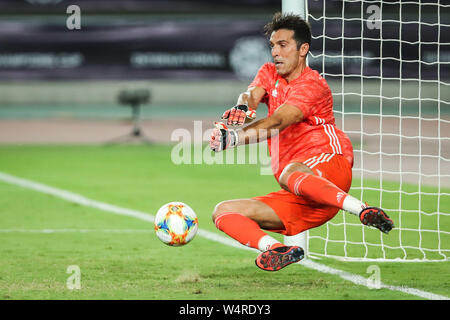 Gianluigi Buffon of Juventus F.C. returns a shot to Inter Milan during the 2019 International Champions Cup football tournament in Nanjing city, east China's Jiangsu province, 24 July 2019. Juventus beat arch rivals Inter Milan through a thrilling penalty shootout to go 5-4 on aggregate in the International Champions Cup here on Wednesday after they played out a 1-1 draw in regular time. - Stock Photo