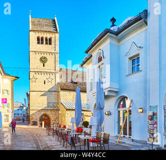 ZELL AM SEE, AUSTRIA - FEBRUARY 28, 2019: Historical Pfarrkirche (Parish church), located at the end of Bahnhofstrasse street and neighboring with tou - Stock Photo