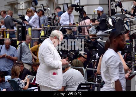 Adam Boulton - Sky News TV presenter - in Downing Street on the day Boris Johnson becomes Prime Minister, 24th July 2019 - Stock Photo