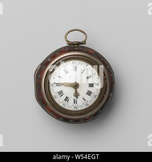 Pocket watch with white enamel dial, Gold-plated copper