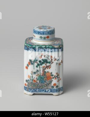 Square tea caddy with flowering plants, birds, butterflies and diaper patterns, Cylindrical lid of a square tea can of porcelain, painted in underglaze blue and on the glaze blue, red, green, yellow, black and gold. Decorated with napkin work and a flower branch in underglaze blue, loose flowers, pine and prunus branch in enamel. The lid has been restored. Decorated in Europe with enamel colors in the Japanese Kakiemon style., anonymous, Europe, c. 1740 - c. 1760, Qing-dynasty (1644-1912) / Qianlong-period (1736-1795), porcelain (material), glaze, cobalt (mineral), gold (metal), vitrification - Stock Photo