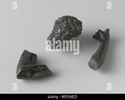 Two fragments of arm and a man's head, anonymous, 1700 - 1800, w 4.5 cm h 5.5 cm w 4.5 cm w 7.5 cm - Stock Photo