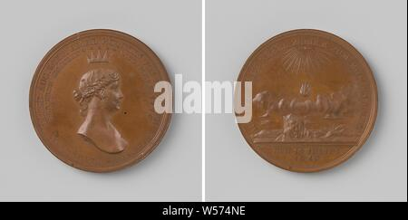 Death of Louise, Queen of Prussia, Bronze Medal. Obverse: woman's bust under the star crown inside a two-line text. Reverse: landscape above which cloud hangs, above lit a flame by the name of God in Hebrew script, in the foreground a coat of arms on a rock inside an inscription, cut off: date, Luise von Mecklenburg-Strelitz (Queen of Prussia), Daniel Friedrich Loos, Berlin, 1810, bronze (metal), striking (metalworking), d 3.9 cm × w 33.21 - Stock Photo