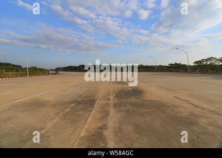 Naypyidaw, the empty official capital of Myanmar. - Stock Photo