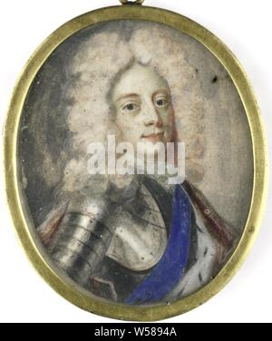 Portrait of George II (1683-1760), King of England, King of England. Bust to the right, facing front, in armor. Formerly considered a portrait of Christiaan V (1646-99), king of Denmark. Part of the portrait portrait collection, George II (King of Great Britain), Benjamin Arlaud, 1706, cardboard, watercolor (paint), metal, glass, h 5.8 cm × w 4.6 cm h 6.7 cm × w 5.1 cm × d 0.4 cm - Stock Photo