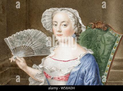 Portrait of a lady with a fan, Portrait of a lady with a fan. Bust, to the left. The person portrayed sits on a padded chair whose backrest is visible on the right. She is holding a fan open in her right hand. The miniature forms the inside of the lid of a box of mother-of-pearl and gold-plated silver. The box is decorated with a rocaille ornament and a lute-playing muse with a lion and a bird. Part of the collection of portrait miniatures, historical persons not known by name - BB - woman, fan, Daniel Bruyninx, 1758, parchment (animal material), mother of pearl, silver (metal), glass, h 4.4 - Stock Photo