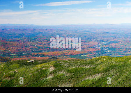 View from the top of Mt Lafayette, New Hampshire, USA. Greenleaf Hut, a shelter for hikers,  is visible in the lower left part of the picture - Stock Photo