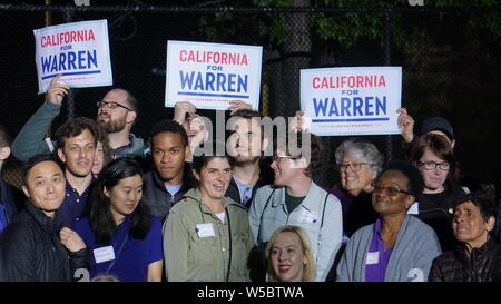 Elizabeth Warren for United States President rally, Oakland, California, May 31, 2019.  Campaign volunteers holding 'California for Warren' signs. - Stock Photo