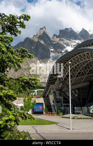 Station of the cable car (Skyway Monte Bianco) on the Italian side of Mont Blanc massif. The Skyway connects the village of Courmayeur to Pointe Helbr - Stock Photo