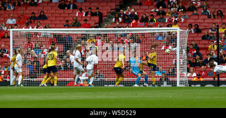 London, UK. 28th July, 2019.  Melanie Leupolz of Bayern Munich Frauen scores during Emirates Cup between Arsenal and Bayern Munich Women at Emirates stadium , London, England on 28 July 2019. Credit: Action Foto Sport/Alamy Live News - Stock Photo