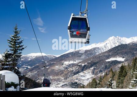 Italy, Lombardy, Retiche Alps, Camonica Valley,Pontedilegno - Tonale cableway - Stock Photo