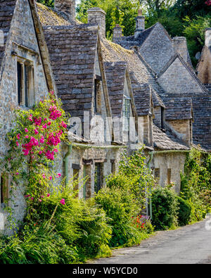 Arlington Row - homes built for the local weavers, Bibury, Gloucestershire, England - Stock Photo