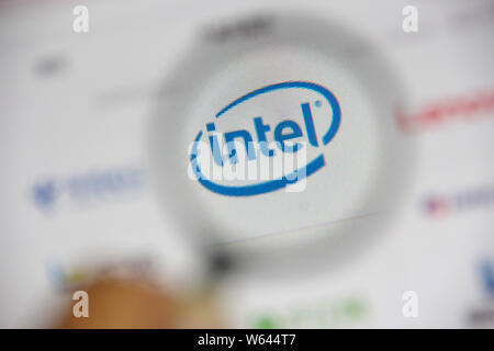 --FILE--A Chinese netizen browses the website of Intel on his computer in Ji'nan city, east China's Shandong province, 23 July 2018.   China's Baidu I - Stock Photo