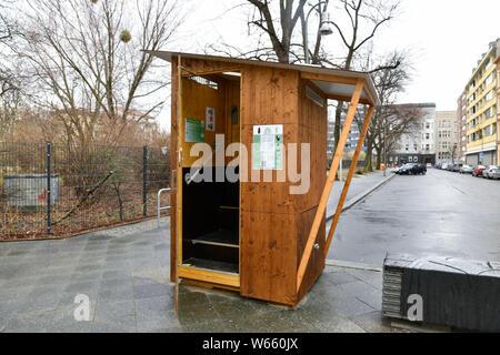 Toilette, Genthiner Strasse, Magdeburger Platz, Tiergarten, Mitte, Berlin, Deutschland - Stock Photo