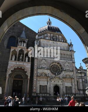 Cappella Colleoni and Basilica di Santa Maria Maggiore in Duomo's  square in the upper town of Bergamo, Lombardy, Italy - Stock Photo
