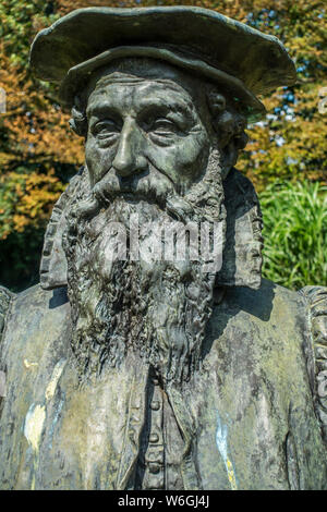 Bust of Gerardus Mercator,16th-century geographer, cosmographer and cartographer from the Southern Netherlands at Sint-Niklaas, East Flanders, Belgium - Stock Photo