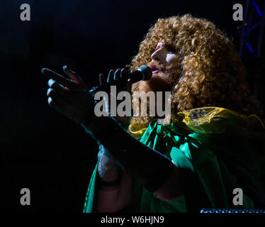 Edinburgh, Scotland, United Kingdom. 1st Aug, 2019. Edinburgh Festival Fringe: Gilded Balloon launches their 2019 Fringe season with a showcase of some of the acts appearing at their five venues. Pictured: Cabaret drag artist Gingzilla - Stock Photo