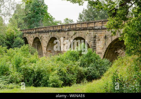 Picton Railway Viaduct was built from local sandstone between 1863 and 1867 and is the oldest railway viaduct still in use today in New South Wales. - Stock Photo