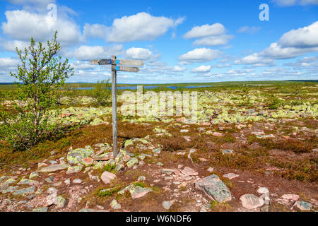 Crossroads on a hiking trail at Fulufjallet in the Swedish mountains - Stock Photo